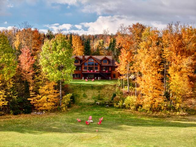 HemLocke Lodge in Autumn