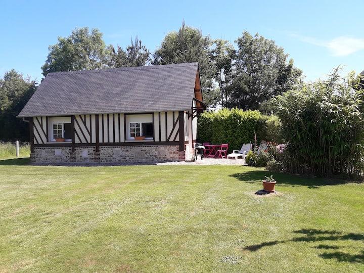 Petit Gite Normand, à la campagne,15 Kms Honfleur