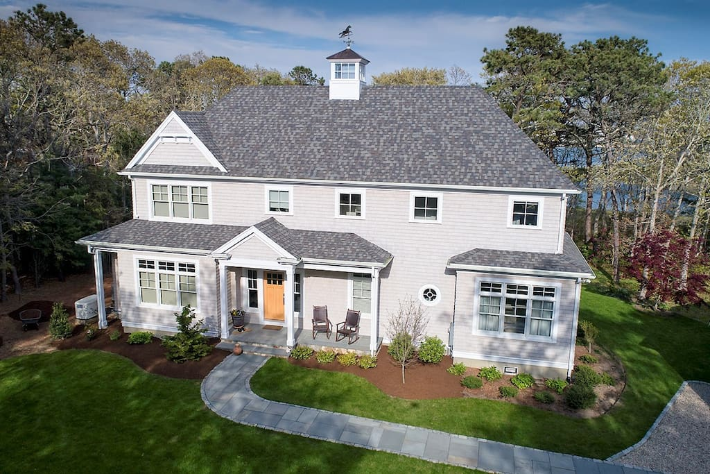 Holiday getaway luxury cape cod waterfront home houses for Cape cod luxury homes