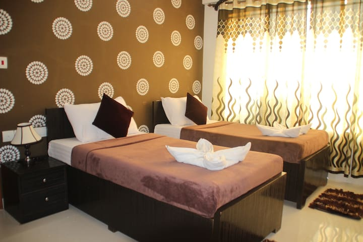 Serviced Apartment with Free Breakfast and Dinner - Mumbai