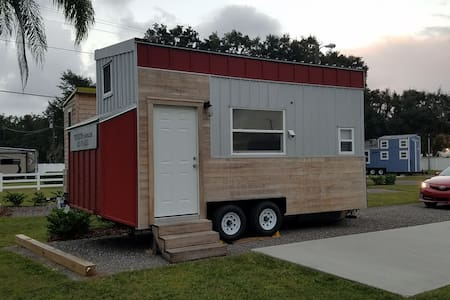 NEW Lakeview Legoland Tiny House boats included! - Winter Haven - Andere