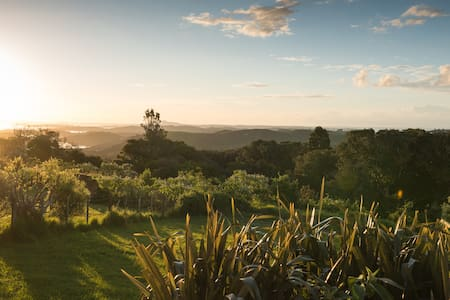 Look. At. That. View! - Waiheke - Bungalow