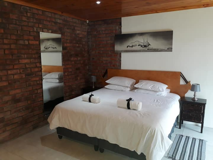 Standard Gemsbok Twin Room