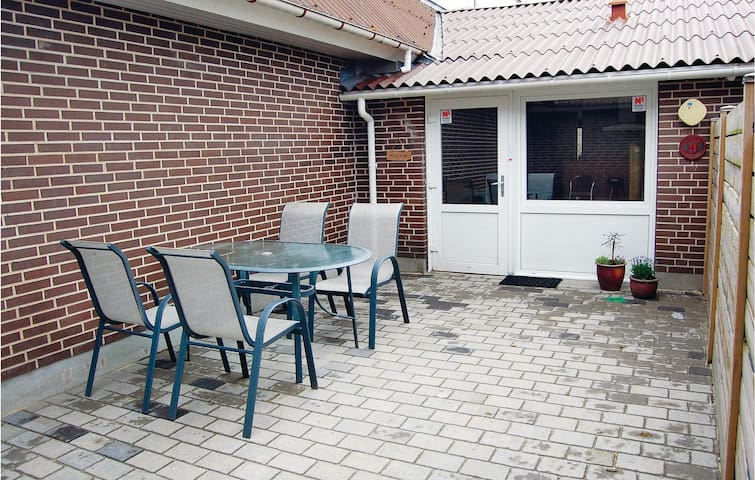 Terraced house with 1 bedroom on 39m² in Blåvand