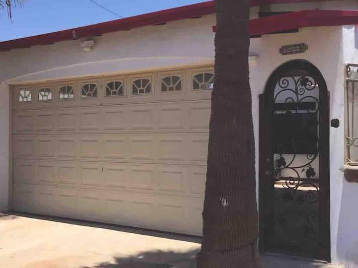 Casa nueva a 2 minutos de Playa Hermosa!!