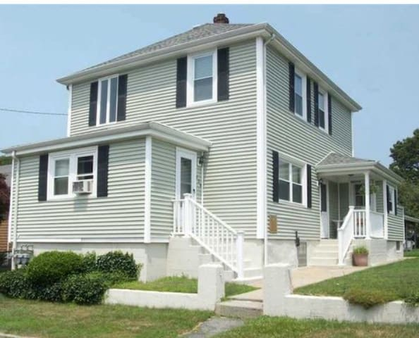 Cozy private HOME close to Newport & Providence - Tiverton - Flat