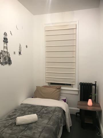 Sunny room /second  floor/ Long Island City