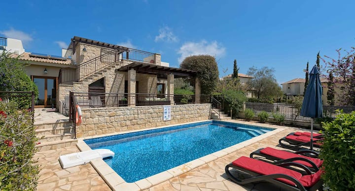 Villa Medelini with private pool and table tennis