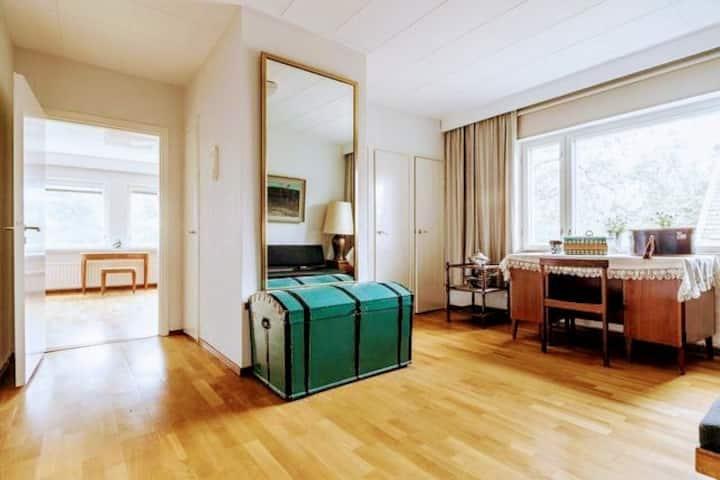 Spacious 2 rooms suite in Helsinki Kulosaari villa