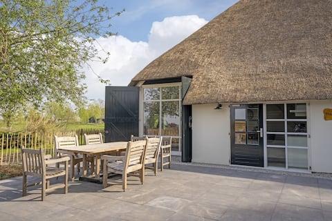 De Hoeve, sfeervolle woning in de Friese Meren
