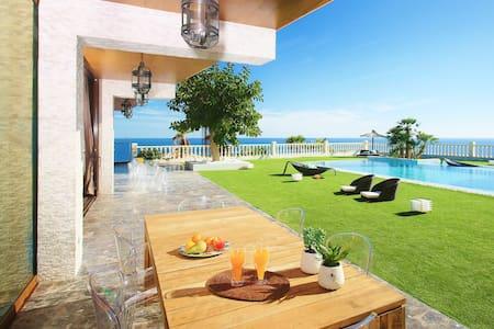 446925-Villa w/ Pool & 24/7 service - El Campello