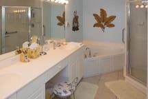 Master Bath, Roman Tub, Shower, twin sinks