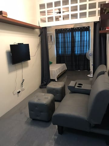 Fully furnished 1 br near Eastwood