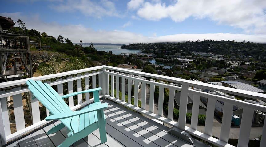 San Francisco bay views.