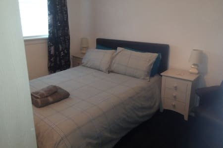 Spacious double room Hamilton near Glasgow