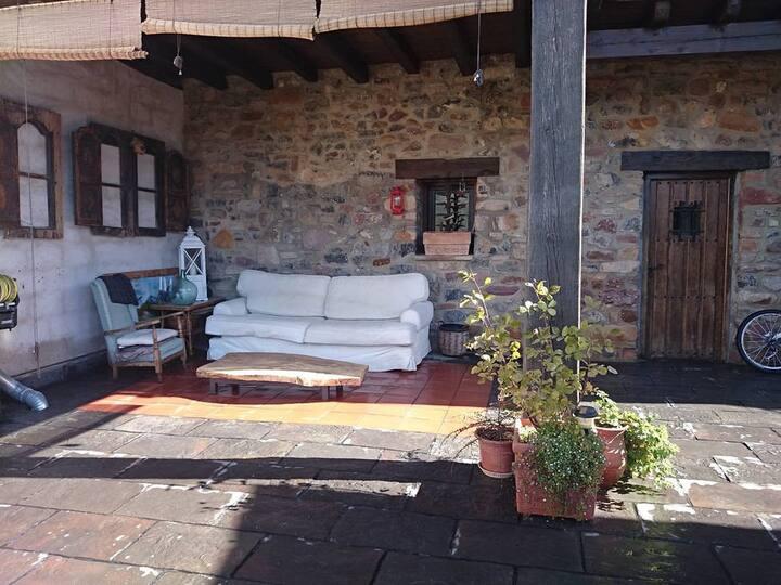 Gran i confortable casa de poble a Peramea
