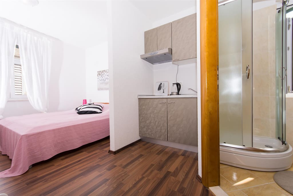 T-place studio apartment Trogir old town