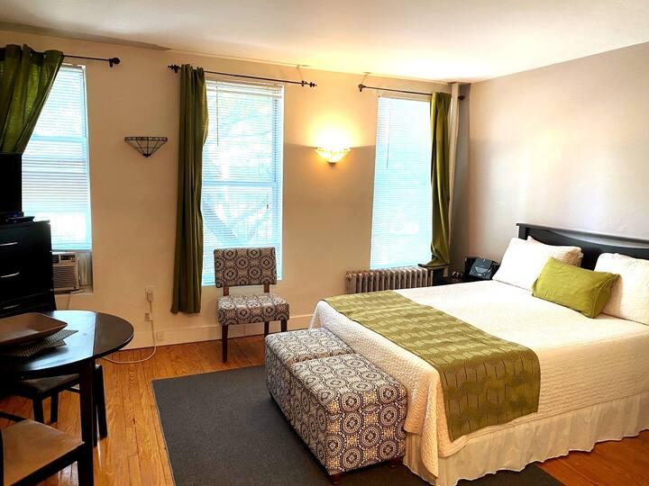 Charming Furnished Suite Sutton Pl/Midtown East #2
