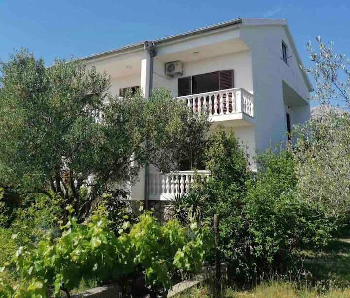 House Brine,500 m from both NP Paklenica and beach