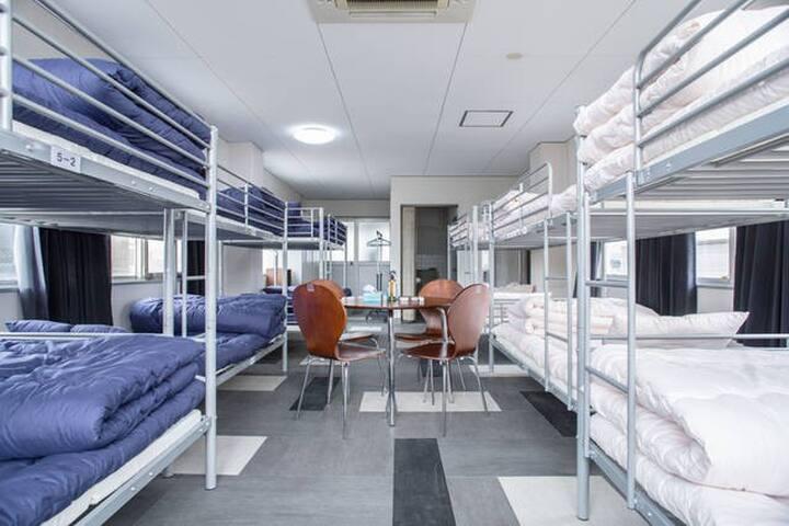 the modest price 506Mixed dorm. Heian Shrine.