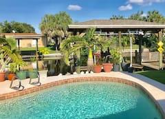 The+Tiki+Pool-Canal+House