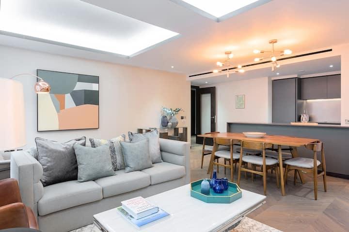 Luxurious 2 bedroom by Regent Street