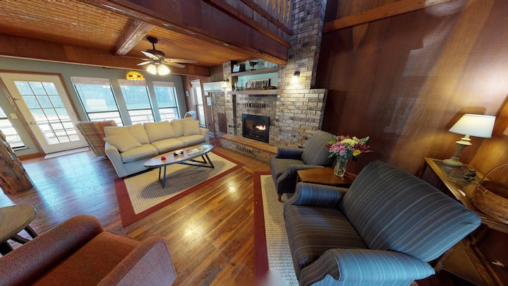 WHITE RIVER CABIN,  River Access, Pet Friendly !!