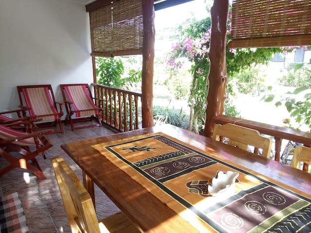 VILLA ZEGRET à 30m de la plage - Anse La Reunion - Huis