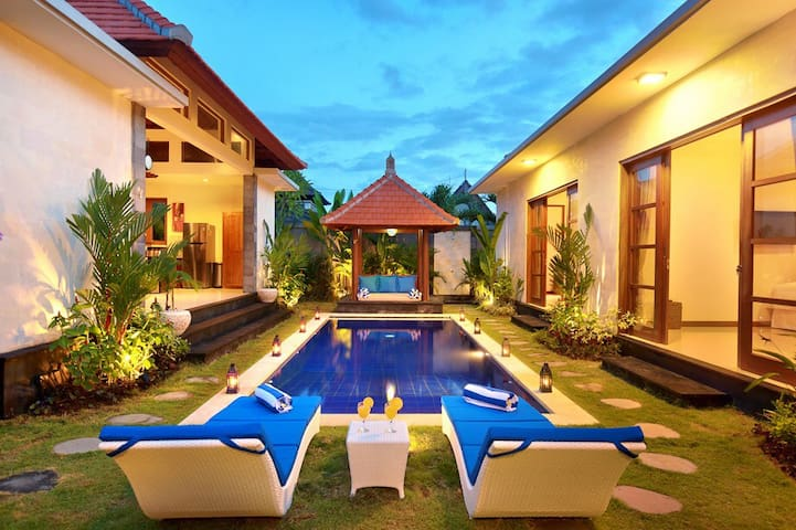 NICOLA VILLA CENTER SEMINYAK SQUARE