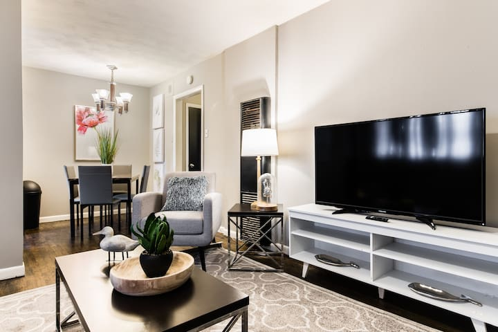 Trendy Apartment-Close to all the Dallas Hotspots!
