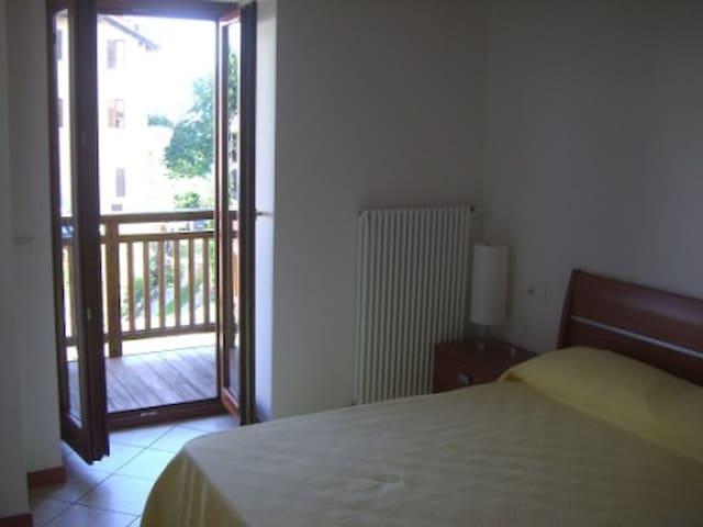 Appartamento silenzioso e confortevole - Malosco - Apartemen