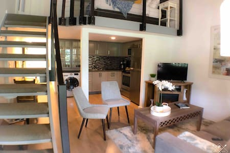 1BR/1BR Loft in ❤️ of Park City w/ Private Deck! ❄
