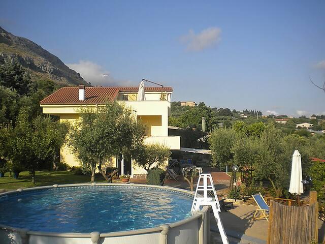 Villa Eva, Eva's home, relax. - フォルミア - 別荘