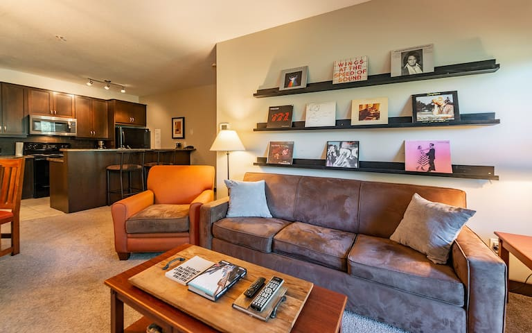 1 BR Mountain Retreat | King Sized Bed | Netflix