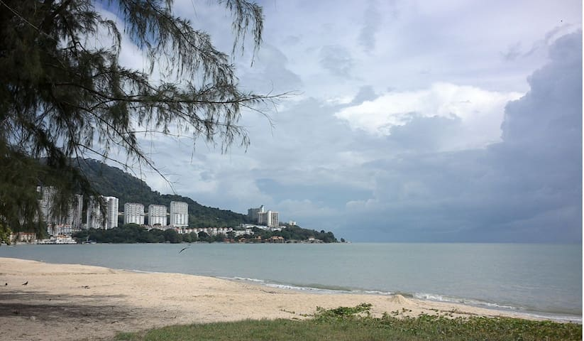 Penang Nagisa Homestay D Queen Size incl Wifi & AC - Tanjung Bungah - บ้าน