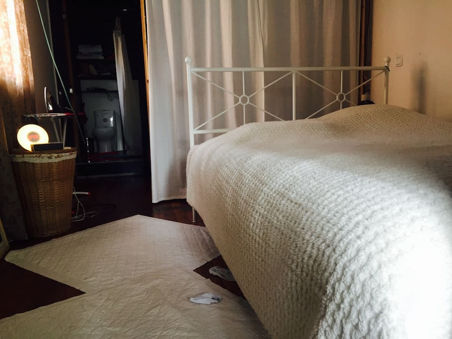 Bedroom with bid bed and plus one more inflatable bed can be placed on terrace .