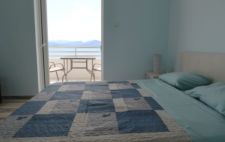 Atlas Luxury Seaside apartment loutraki
