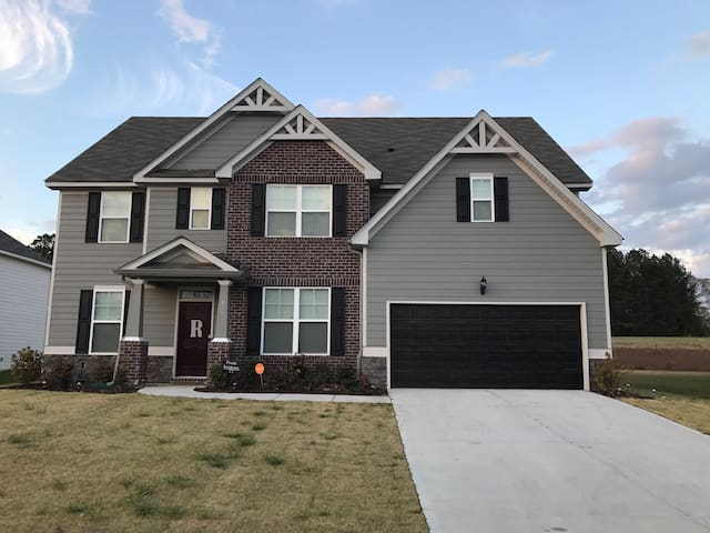 New LOW COST PVT rooms 4 masters wk - Grovetown - Hus