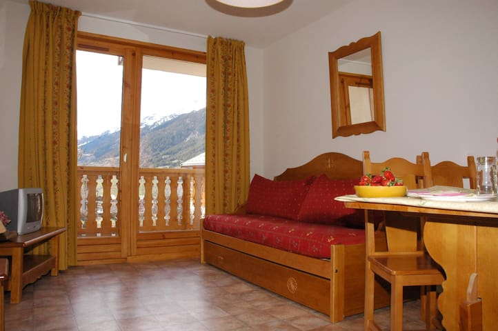 ESS010M - Apartment in the village and near slopes