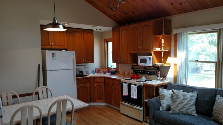 Spring is here, escape to York Beach on a budget 1 - York - Appartement en résidence