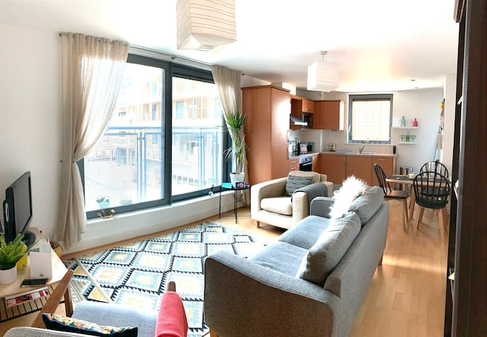 1 bed apartment with outdoor space in Wandsworth