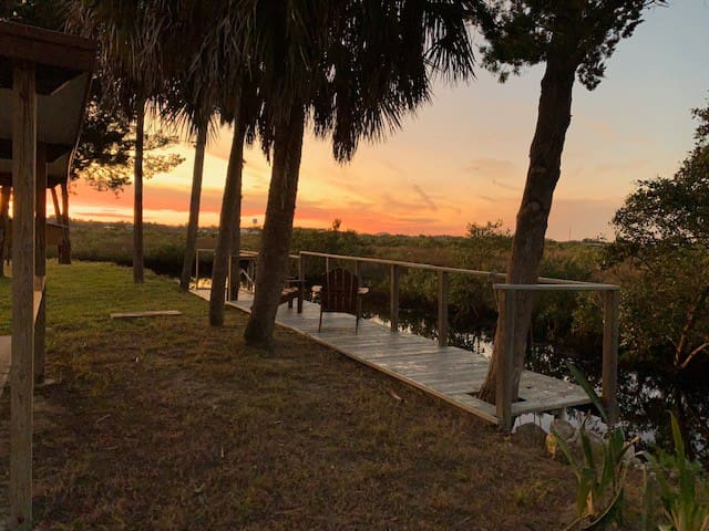 Ozello Nature Lovers Waterfront Retreat