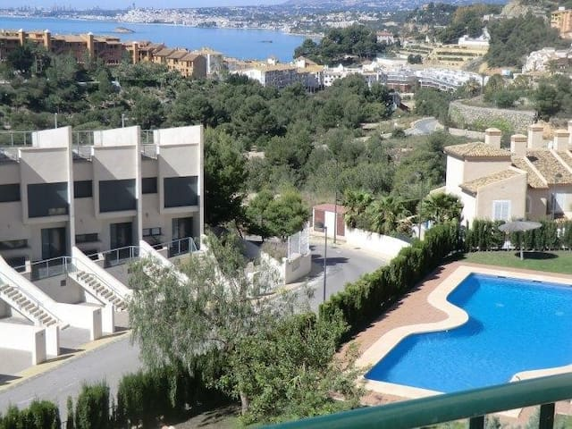 Appartement 4 - 6 persons with seaview and 2 pools - Pueblo Mascarat - Leilighet