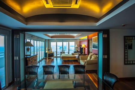 4 Bedroom Penthouse + Panoramic Sea View - Cha-am