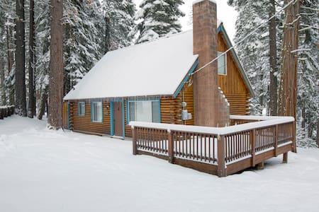 Cozy log cabin in Tahoe City - Tahoe City