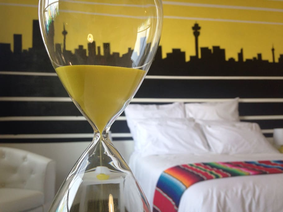 Okay, there is absolute no purpose to the hourglass, and it has no relevance to Africa or Mexico. I just love it!
