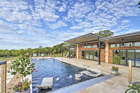 NEW! May Ranch Retreat w/ Pool: Outdoor Paradise!