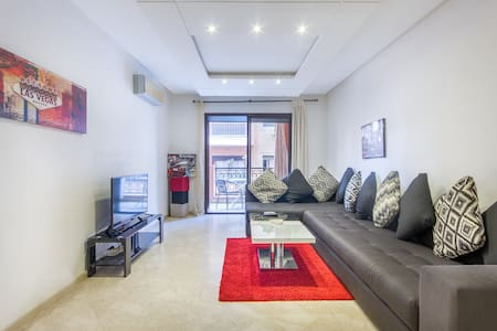 Modern apartment with terrace. Center town
