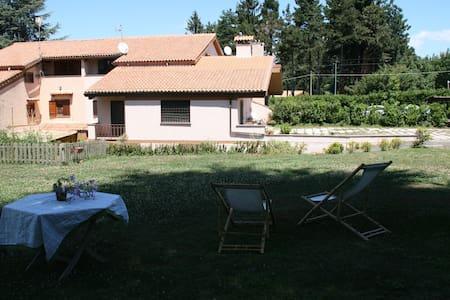 Camera in villa con parco - Rocca Priora - Casa de camp