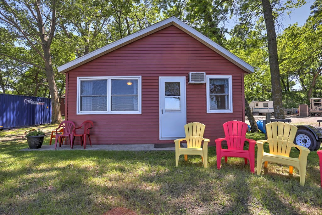 This cozy, 3-bedroom, 1-bathroom vacation rental cabin has everything you need for an ideal Minnesota getaway.